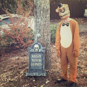 Five nights at Freddy's Halloween costume .